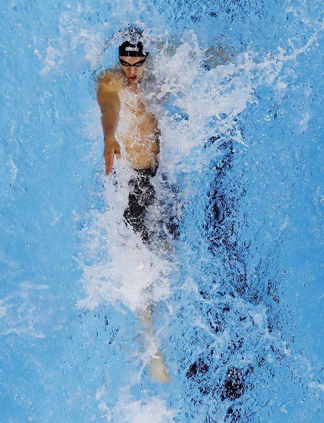 Znakař Ryan Murphy během finále na 100 metrů znak.