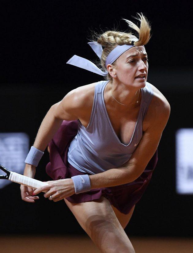 Petra Kvitová v utkání s Jennifer Bradyovovu z USA.