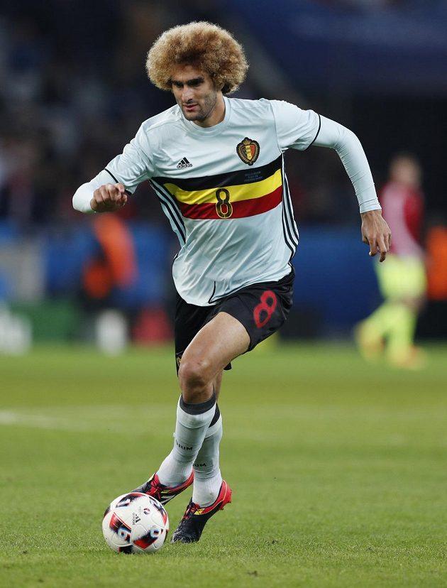 Belgičan Marouane Fellaini se na trávníku objevil až ve druhé půli čtvrtinálového duelu s Walesem.