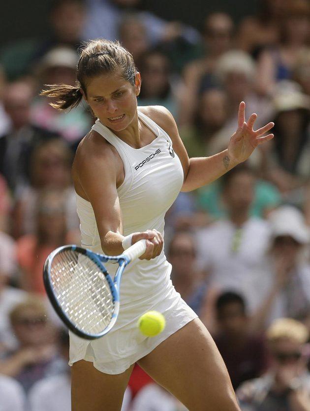 Německá tenistka Julia Görgesová během semifinále Wimbledonu.
