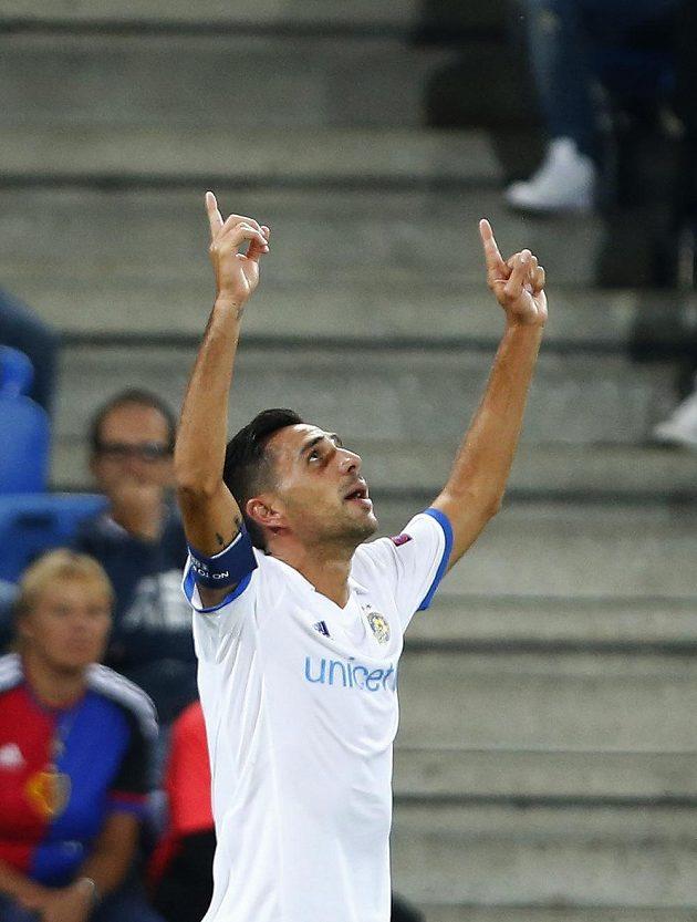 Eran Zahavi znovu řádil. Po Plzni vstřelil dva góly i v Basileji, jeho Maccabi má nakročeno do skupiny Ligy mistrů.