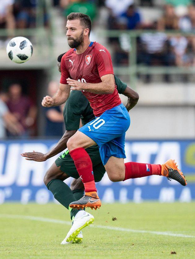 Český záložník Josef Hušbauer během přípravného utkání s Nigérií v rakouském Schwechatu.