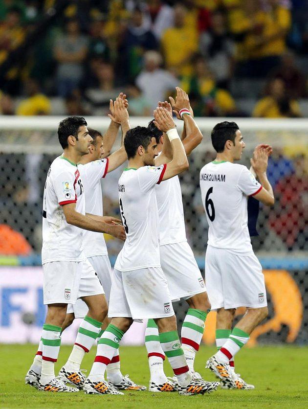Fotbalisté Íránu děkují fanouškům za podporu, s Nigérií uhráli bezbrankovou remízu.
