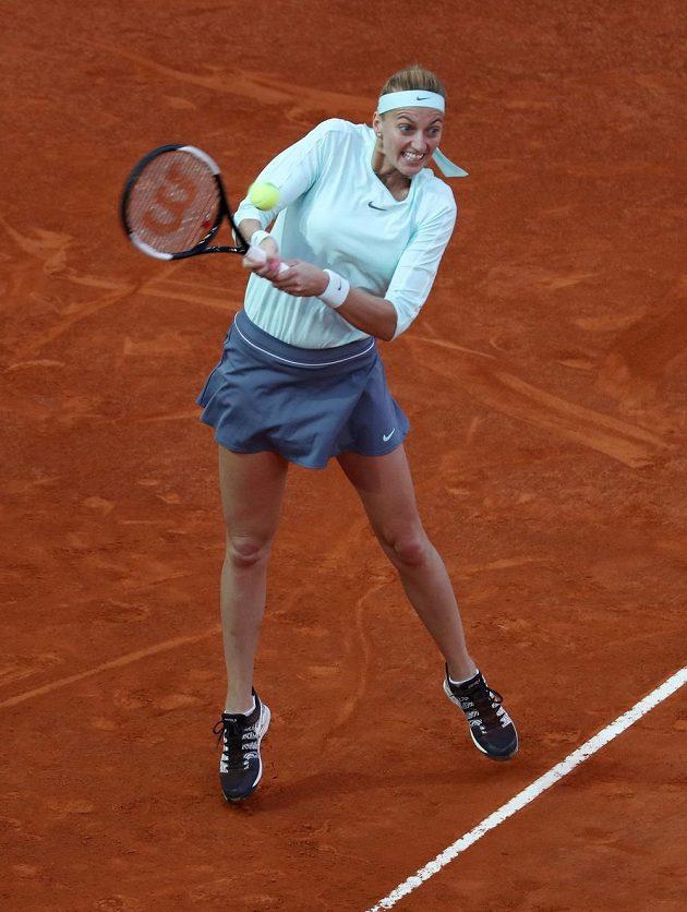 Petra Kvitová v utkání s Caroline Garciaovou.
