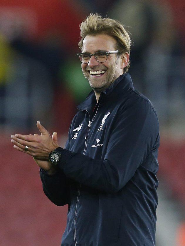 Trenér Liverpoolu Jürgen Klopp se raduje z vysoké výhry na hřišti Southamptonu.