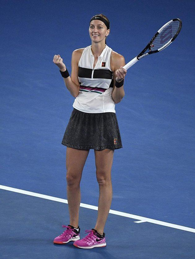 Petra Kvitová se raduje poté, co porazila Danielle Collinsovou v semifinále Australian Open.