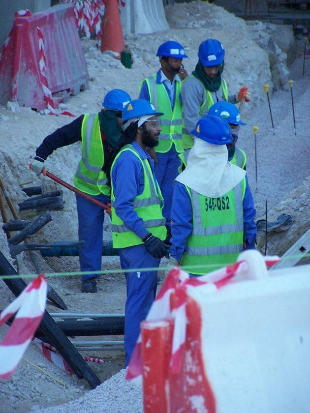 Na čtyři tisíce dělníků pracuje na rekonstrukci Chalífa Stadium, kde se bude v roce 2009 konat světový šampionát v atletice a v roce 2022 mistrovství světa ve fotbale.