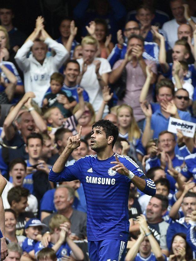 Diego Costa se v utkání proti Swansea radoval z hattricku.