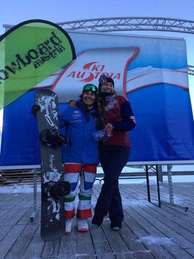 Eva Samková se může usmívat, ve svém prvním závodě od olympiády v Soči zdolala všechny soupeřky včetně Italky Raffaelly Bruttové.