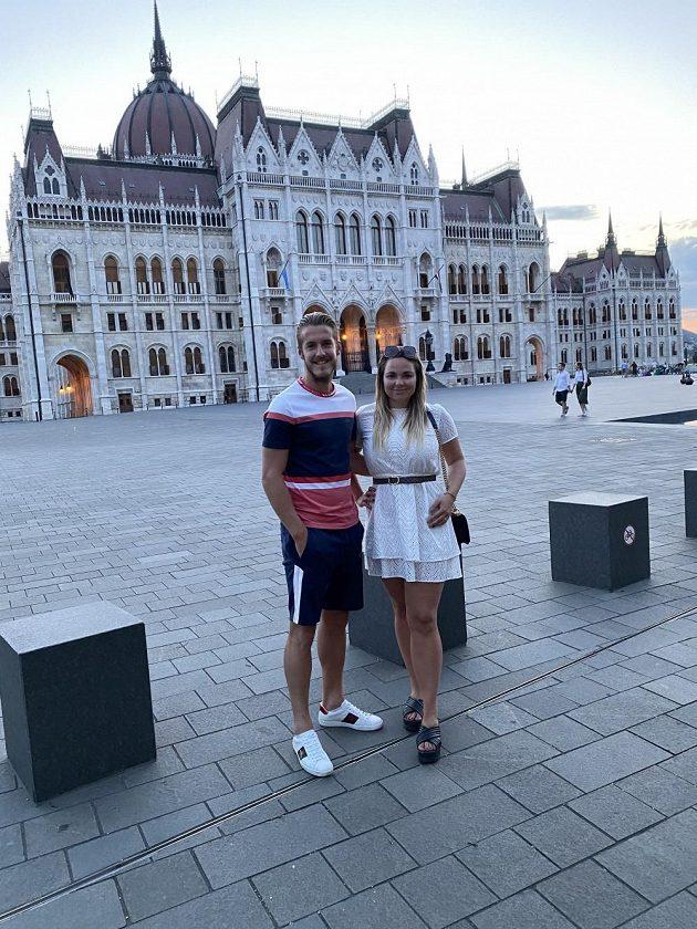 Záložník Jakub Plšek s manželkou na prohlídce Budapešti.
