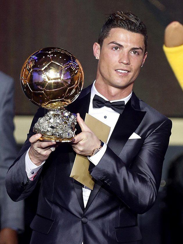 Cristiano Ronaldo se Zlatým míčem.