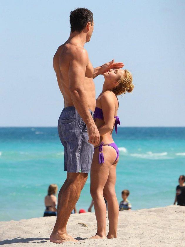 Mezi oběma snoubenci je rozdíl 41 cm tělesné výšky, Hayden má ve Vladimirovi skvělého ochránce.