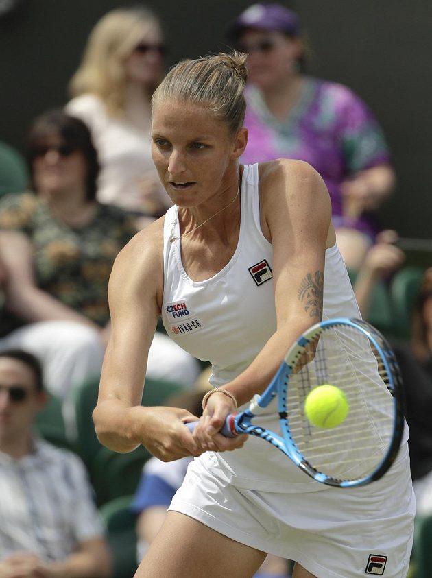 Česká tenistka Karolína Plíšková v boji postup do čtvrtfinále Wimbledonu.