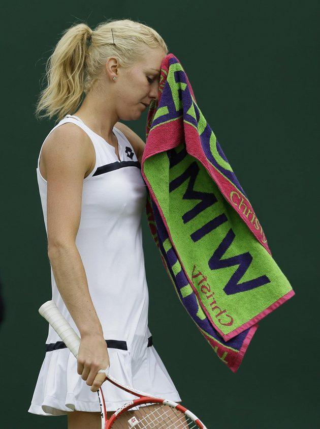 Polská tenistka Urszula Radwaňská to ve Wimbledonu dotáhla do druhého kola.