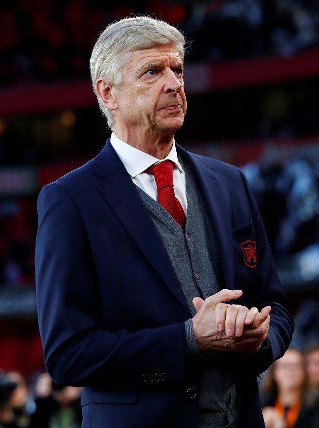 Manažer Arsenalu Arséne Wenger během semifinále Evropské ligy s Atlétikem Madrid.