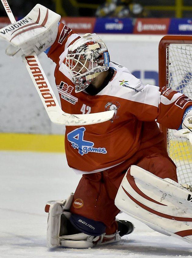 Brankář Olomouce Branislav Konrád svými zákroky v Litvínově výrazně pomohl svému týmu ukončit sérii porážek.