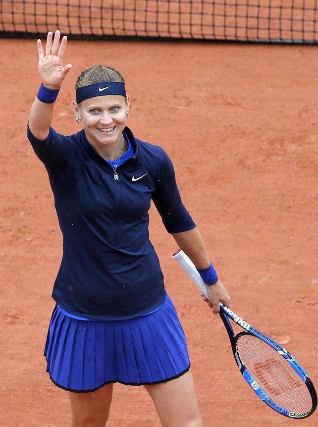 Lucie Šafářová začala v Paříži vítězně.