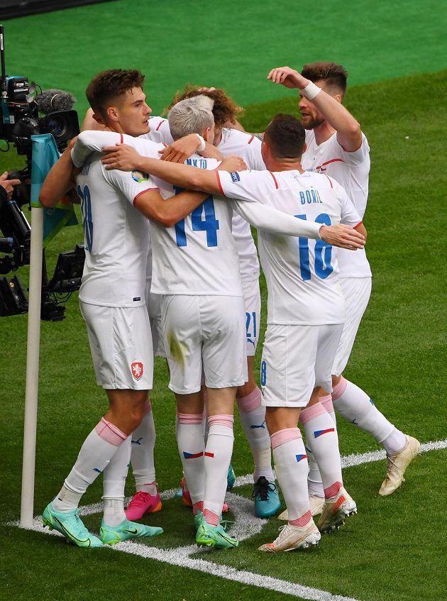 Patrik Schick (first from left) celebrates with teammates.
