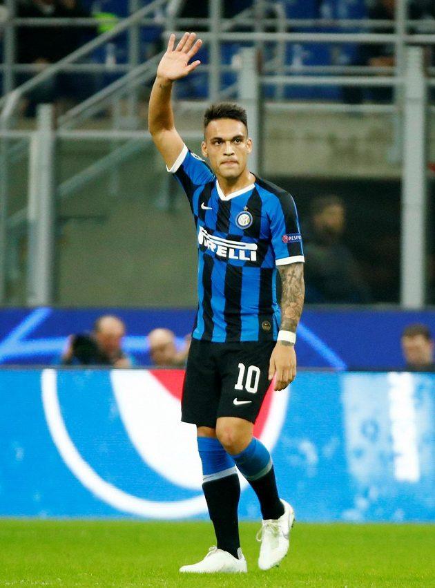 Lautaro Martinez z Interu otevřel skóre zápasu s Dortmundem.