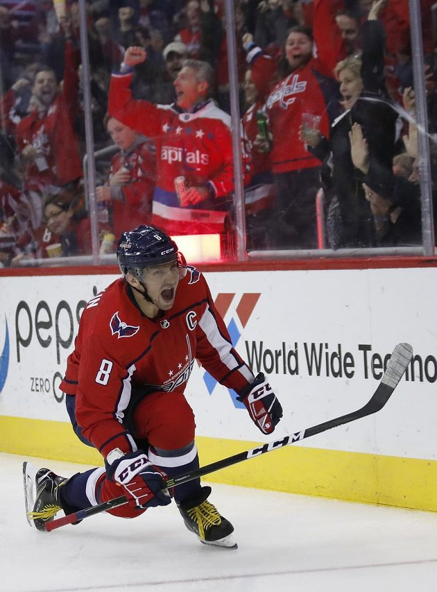 Washingtonský Alexandr Ovečkin slaví 600. gól v kariéře v NHL.