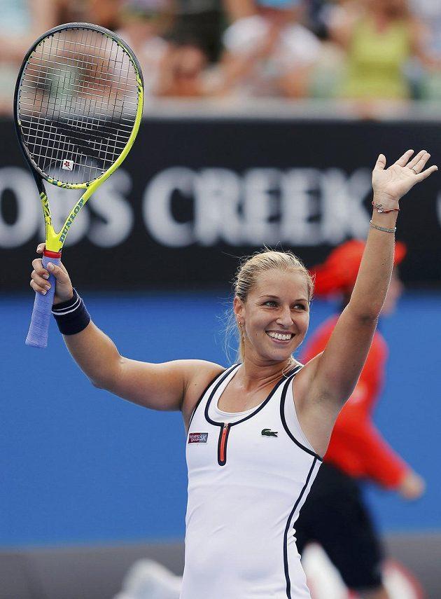 Slovenská tenistka Dominika Cibulková se raduje z postupu do druhého kola Australian Open přes Belgičanku Kirsten Flipkensovou.