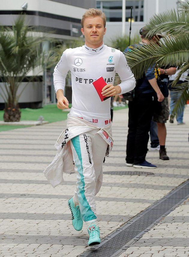 Nico Rosberg během kvalifikace v Soči.