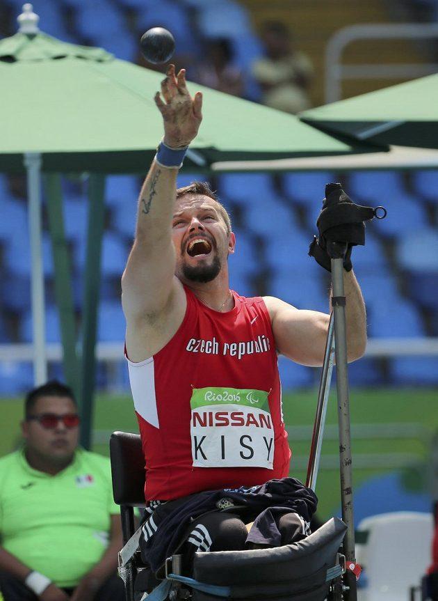 Český koulař Aleš Kisý na paralympiádě v Riu.