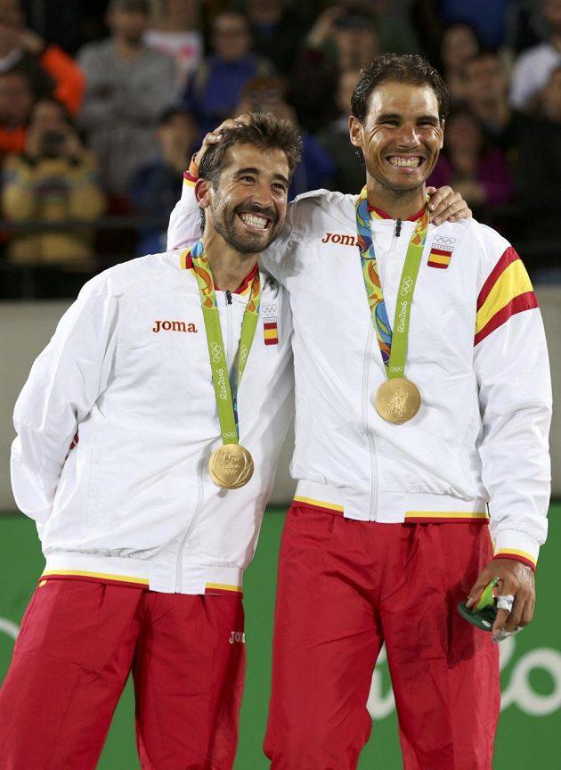 Rafael Nadal (vpravo) a Marc López se stali v Riu olympijskými šampióny v tenisové čtyřhře.