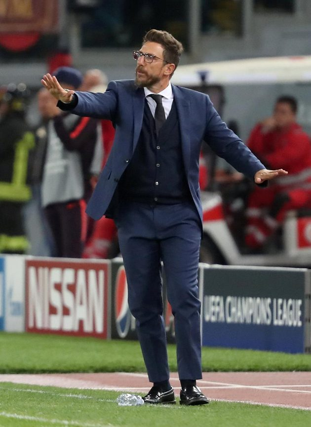 Trenér AS Řím Eusebio Di Francesco při utkání s Plzní.