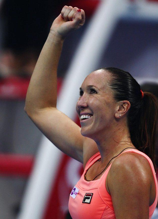 Jankovičová oslavuje svůj postup do finále v Pekingu a zároveň svou vůbec první výhru nad Kvitovou (1/3).