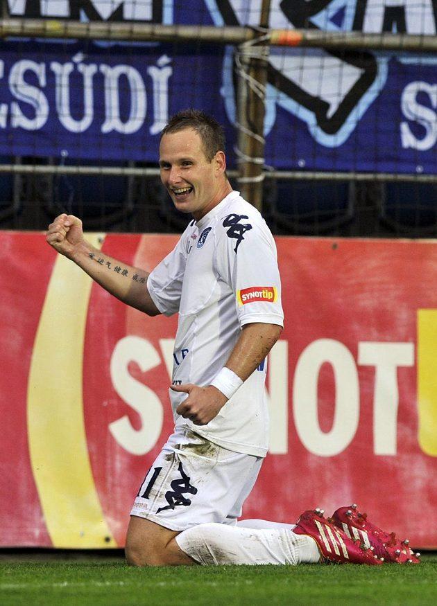 Záložník Slovácka Jiří Valenta se raduje z gólu proti Olomouci.