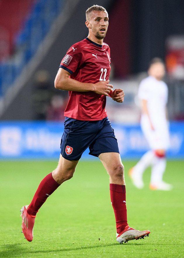 Český fotbalista Tomáš Souček během utkání kvalifikace MS 2022 s Běloruskem.