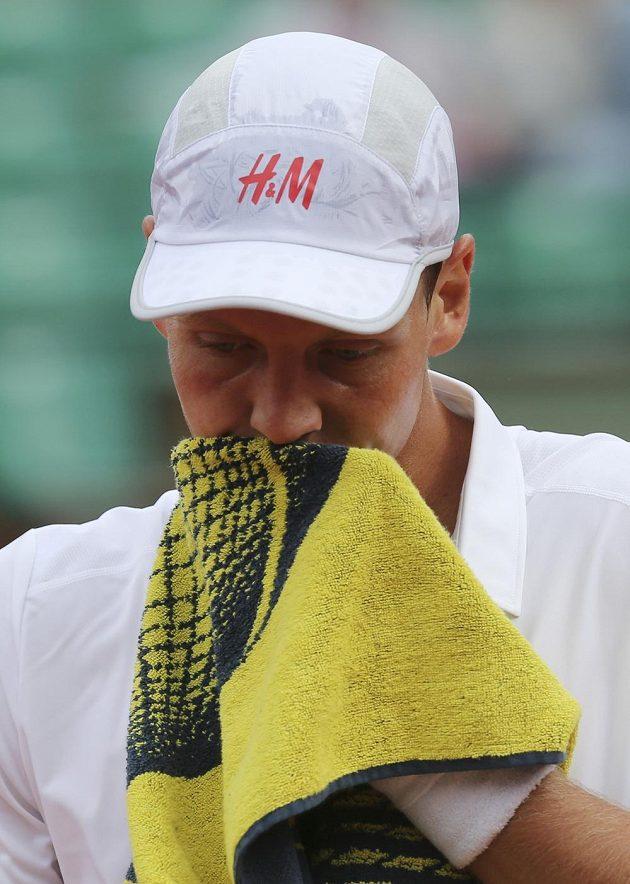 Zklamání. Tomáš Berdych skončil na Roland Garros už v prvním kole.