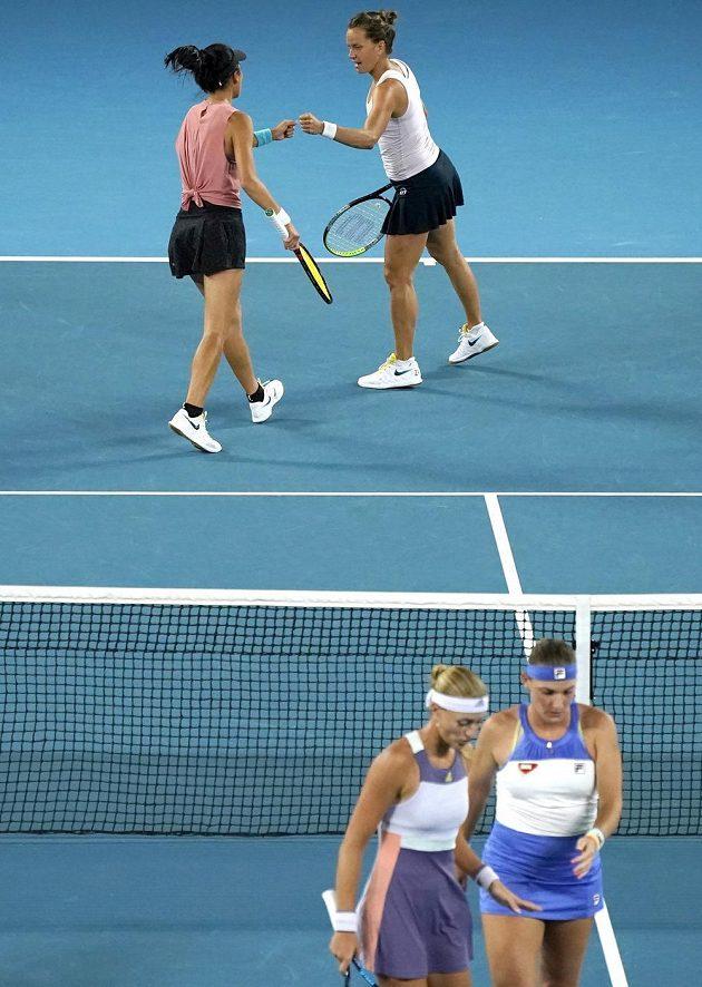 Tenistku Barbora Strýcová bojuje s tchajwanskou partnerkou Sie Šu-wej o premiérový deblový titul na Australian Open.