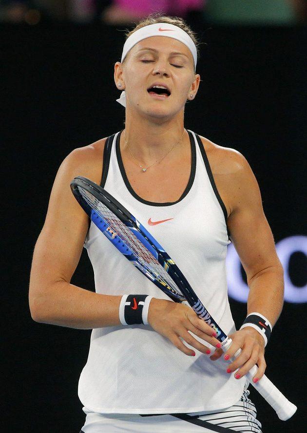 Lucie Šafářová při zápase se Serenou Williamsovou.