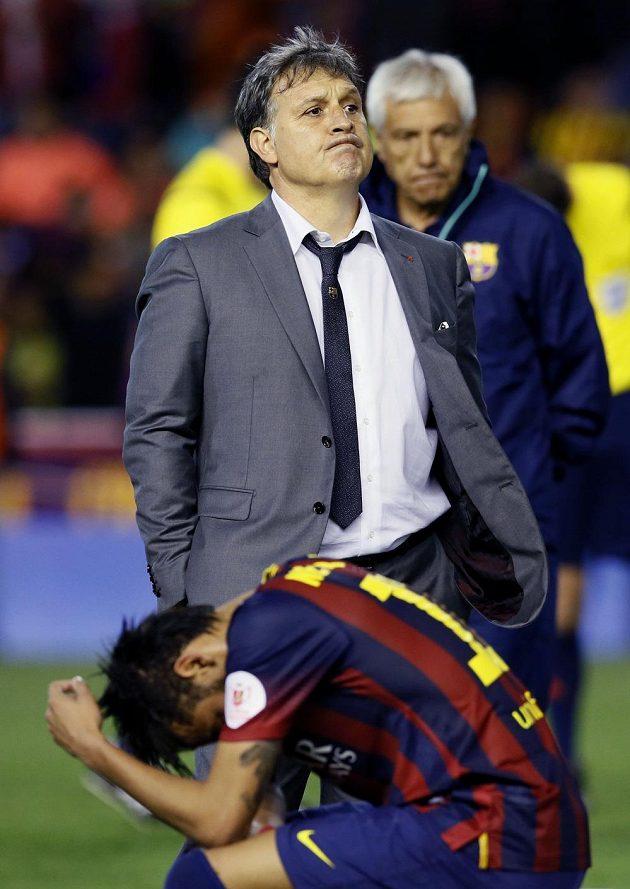 Zklamaný trenér Barcelony Gerardo Martino po své první porážce s Realem Madrid.