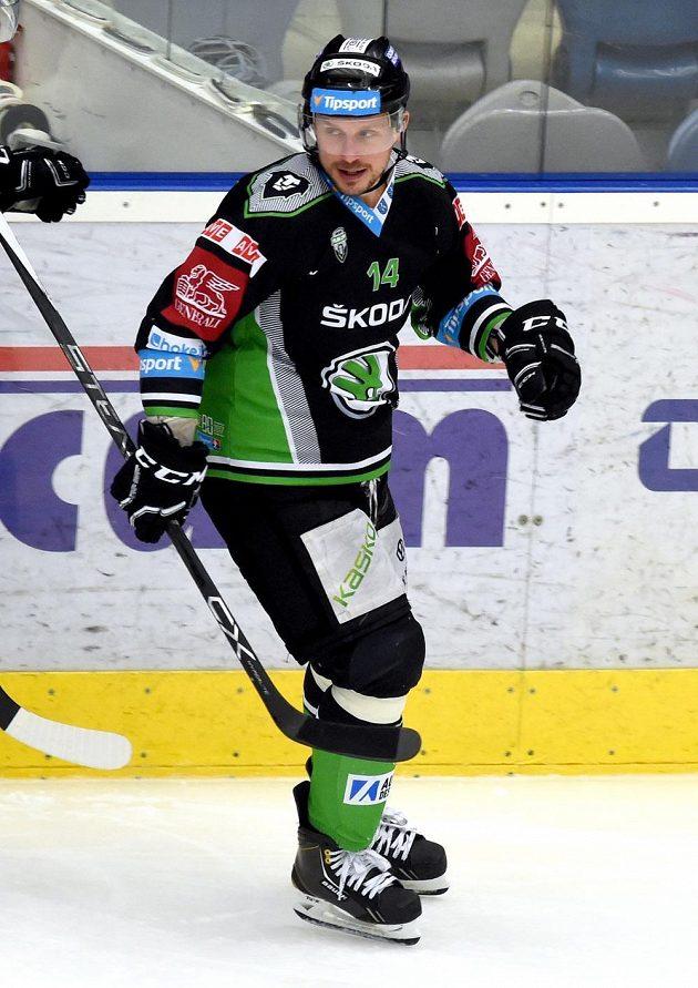 Střelec třetí branky Mladé Boleslavi Petr Vampola během utkání předkola play off hokejové extraligy v Chomutově.