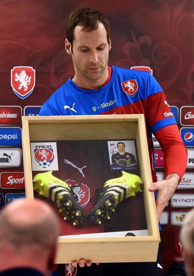 Kapitán Petr Čech se zapojil do projektu na pomoc Mariánovi Čišovskému.