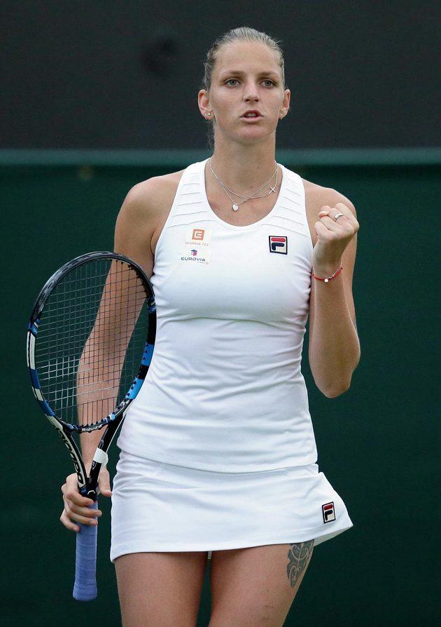 Karolína Plíšková postoupila přes Belgičanku Yaninu Wickmayerovou do druhého kola Wimbledonu.