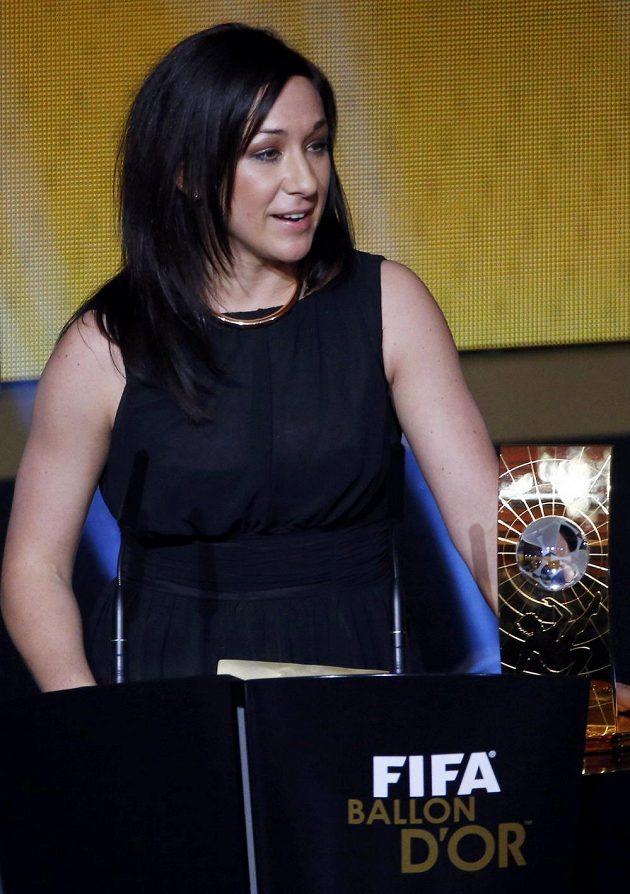 Němka Nadine Kesslerová, trochu překvapivá vítězka ženské kategorie při vyhlášování Zlatého míče 2014.