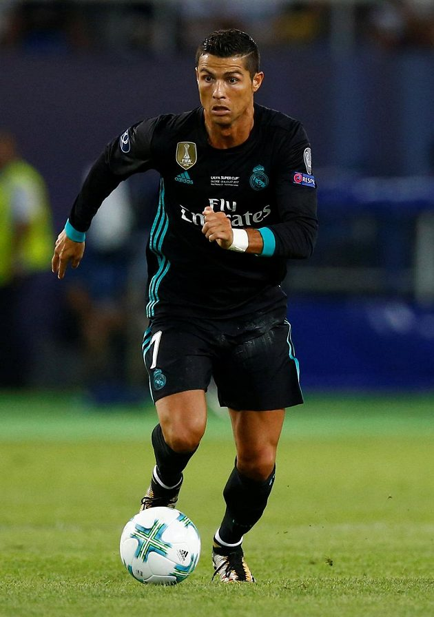 Cristiano Ronaldo, nejzářivější hvězda Realu Madrid, se na trávníku objevila až v závěru zápasu.