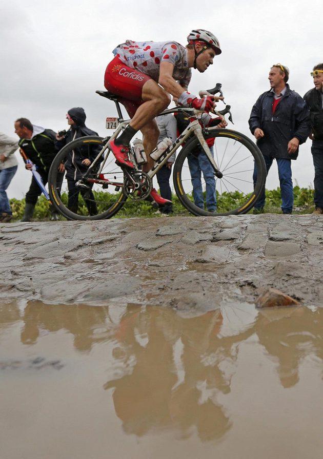 Francouz Cyril Lemoine, zatím nejlepší vrchař Tour, na trati těžké páté etapy.