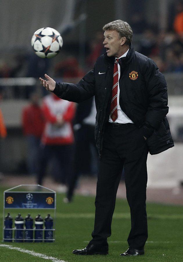 Nespokojený David Moyes, kouč Manchesteru United.