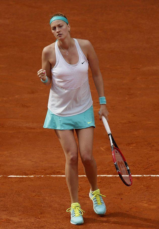 Radost Petry Kvitové z vítězného úderu ve finále proti Světlaně Kuzněcovové.