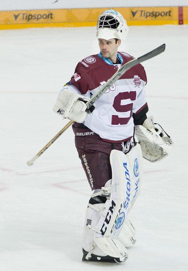 Brankář hokejistů Sparty Danny Taylor.