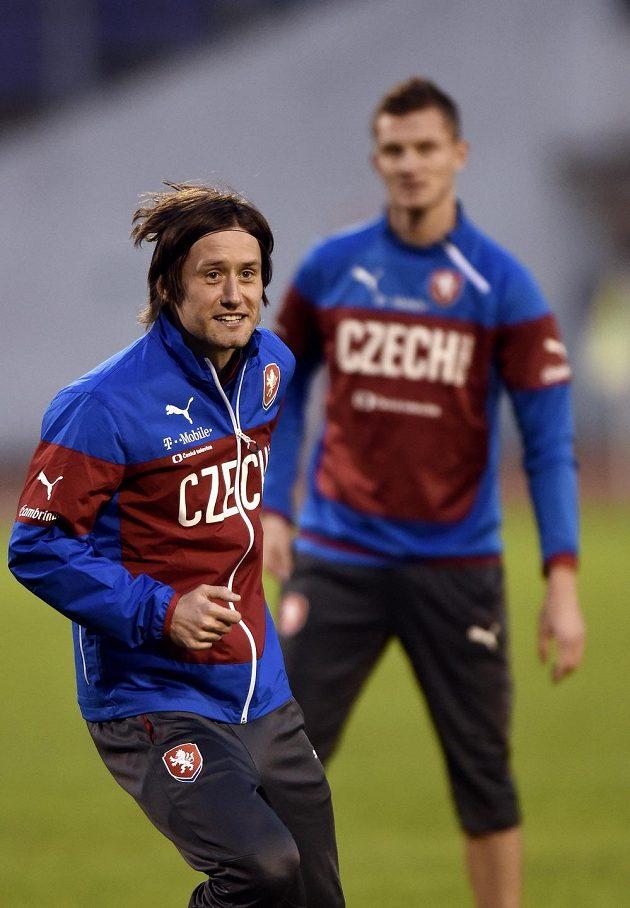 Kapitán národního týmu Tomáš Rosický hýřil na tréninku české fotbalové reprezentace dobrou náladou.