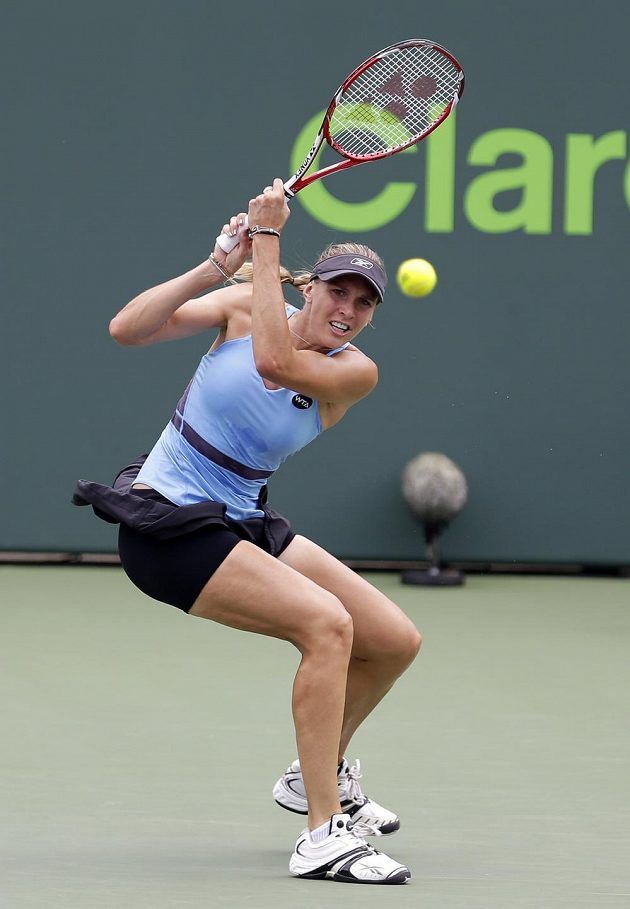 Tenistka Nicole Vaidišová v Miami v zápase proti Simoně Halepové.