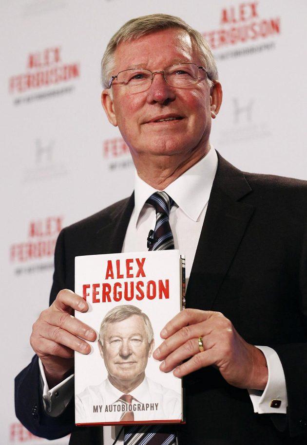 Bývalý trenér Manchesteru United Sir Alex Ferguson se svou autobiografií.