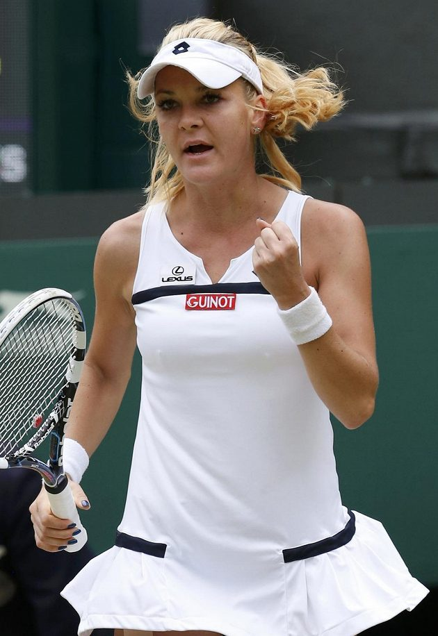 Polská tenistka Agnieszka Radwaňská se raduje z postupu do semifinále Wimbledonu.