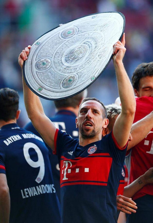 Franck Ribery slaví, Bayern Mnichov získal bundesligový titul.